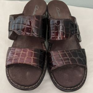 Clarks Brown Patent Sandals Size 8M